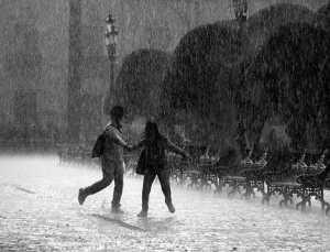 पाऊस आणि ती रात्र - १